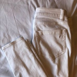 Two by Vince Camuto white jeans